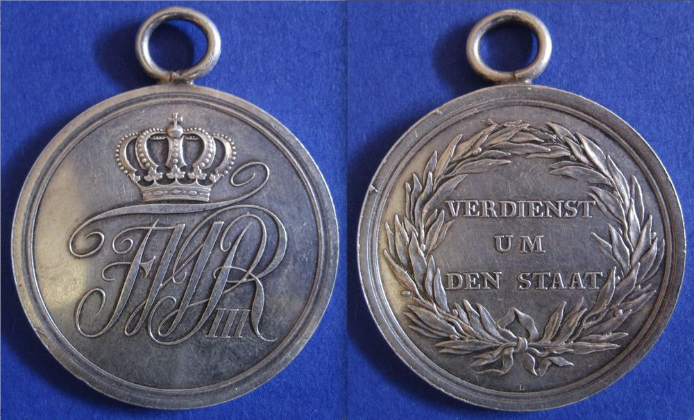Abb. 16: Militär-Ehrenzeichen 2. Klasse, Silber massiv geprägt, 20,9 g.
