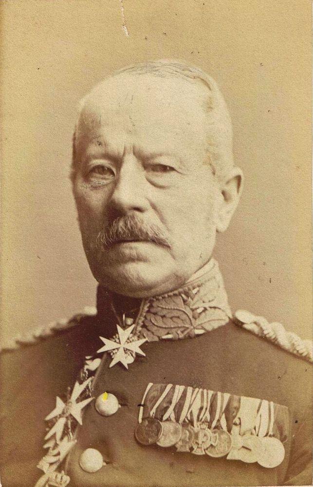 Abb. 32: Der spätere General der Infanterie, Karl Eberhard Herwarth von Bittenfeld, mit der KDM 1813/1814 an erster Position seiner großen Ordensspange.