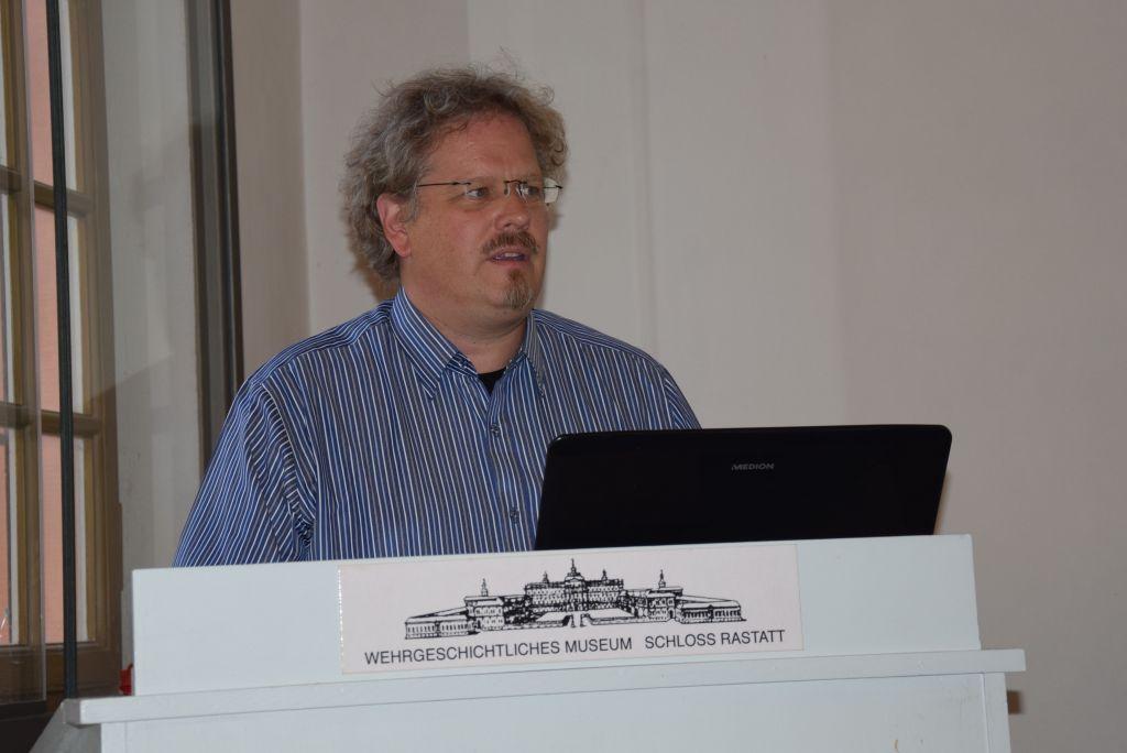 Herr Oliver Fieg während seinem Vortrag im Anschluss an die Mitgliederversammlung © Klaus Vogt